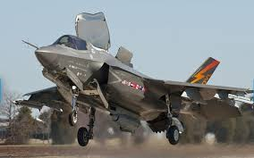 F 35 The supersonic, multi role F 35 Romano Pisciotti