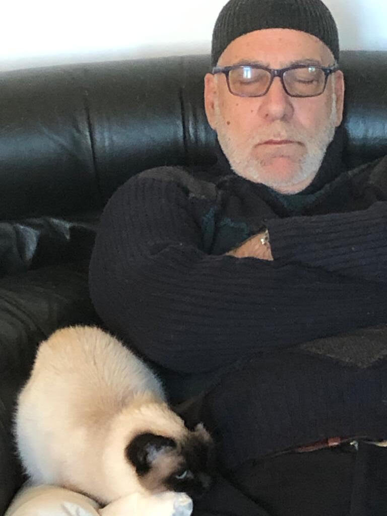 ronfo 768x1024 Having a cat has a therapeutic effect Romano Pisciotti